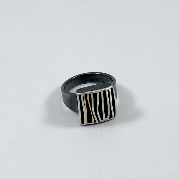 Monarch small ring with gold