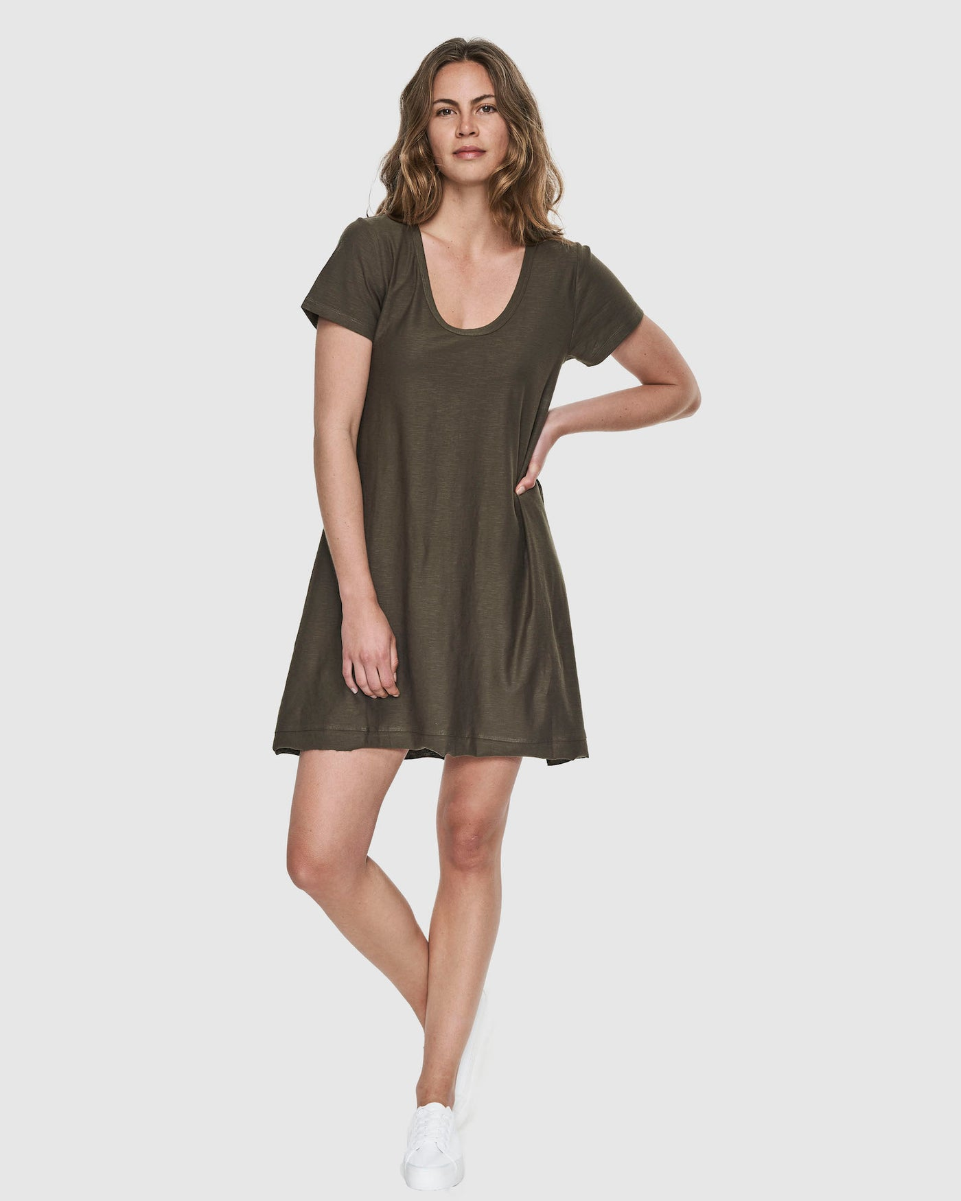 Slub Scoop V Dress | Olive