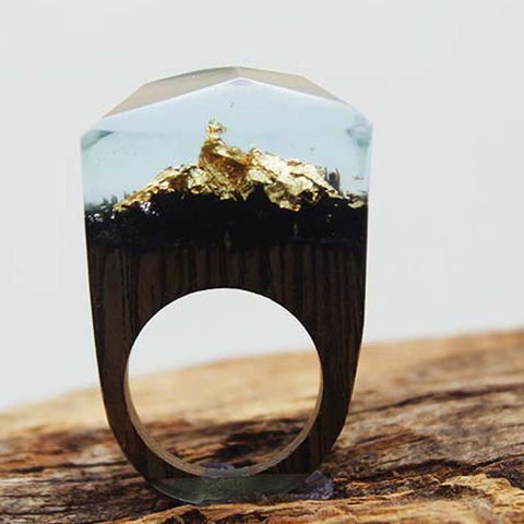 Unique Wooden 3D Ring - Gold Crest