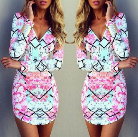 LONG-SLEEVED V-NECK PRINTED DRESS