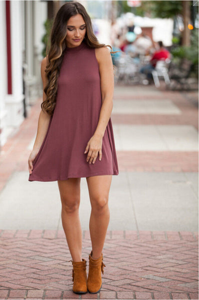 Solid Color Round Neck Sleeveless Dress