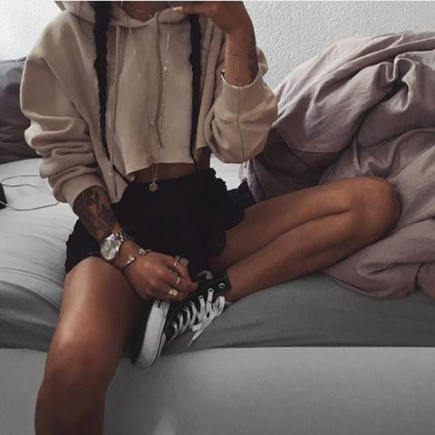 SOLID COLOR LONG-SLEEVED HOODED SWEATER