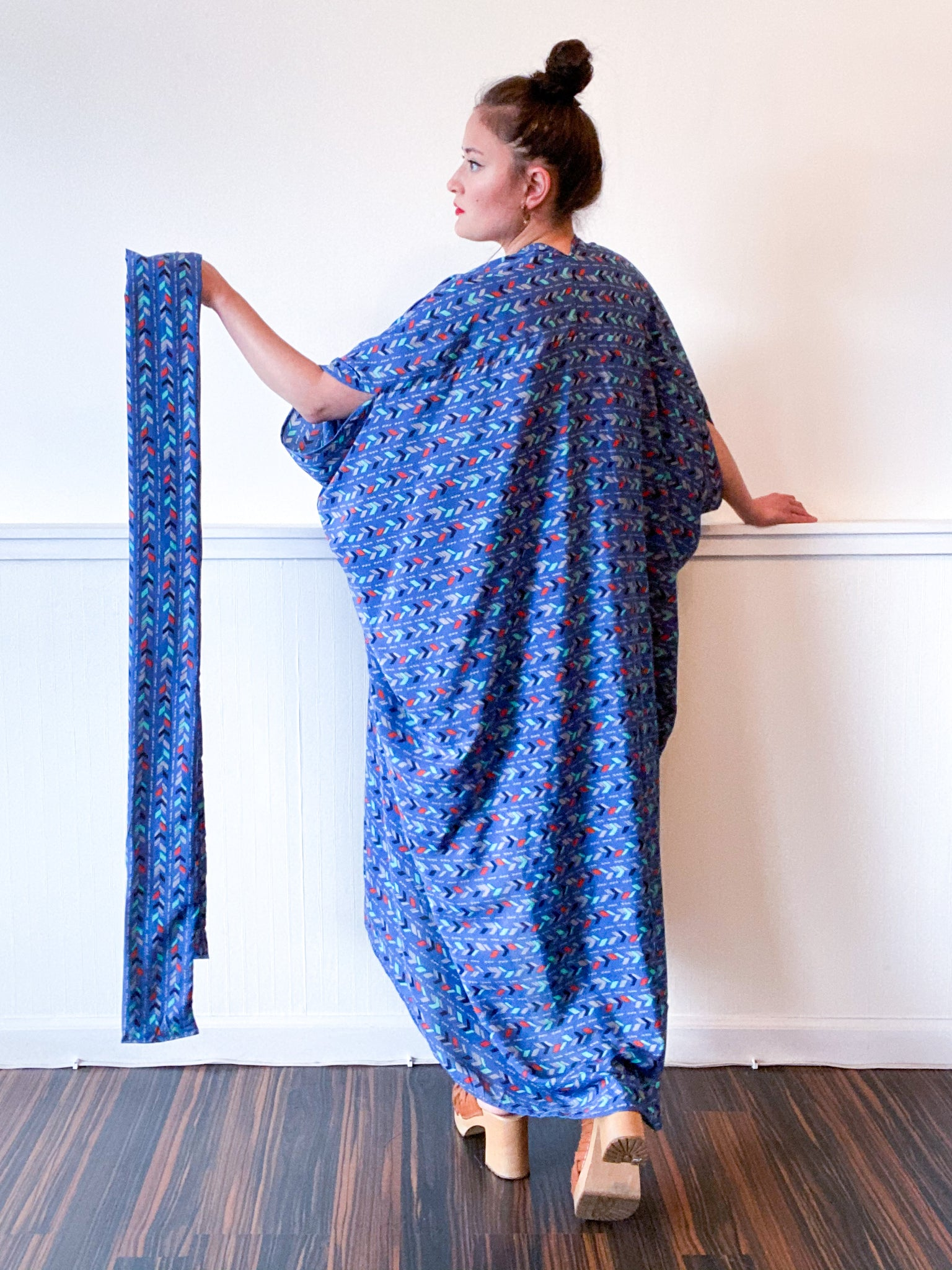 Print High Low Kimono Royal Blue Arrows Crepe de Chine