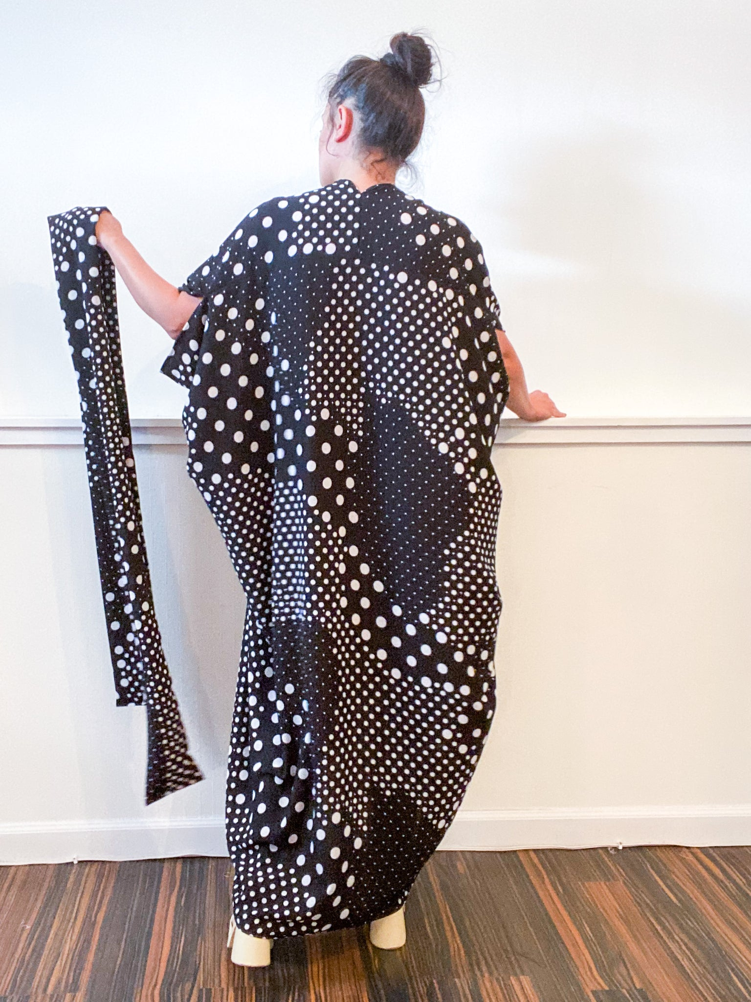 Print High Low Kimono Black White Multi Dots Bubble Crepe