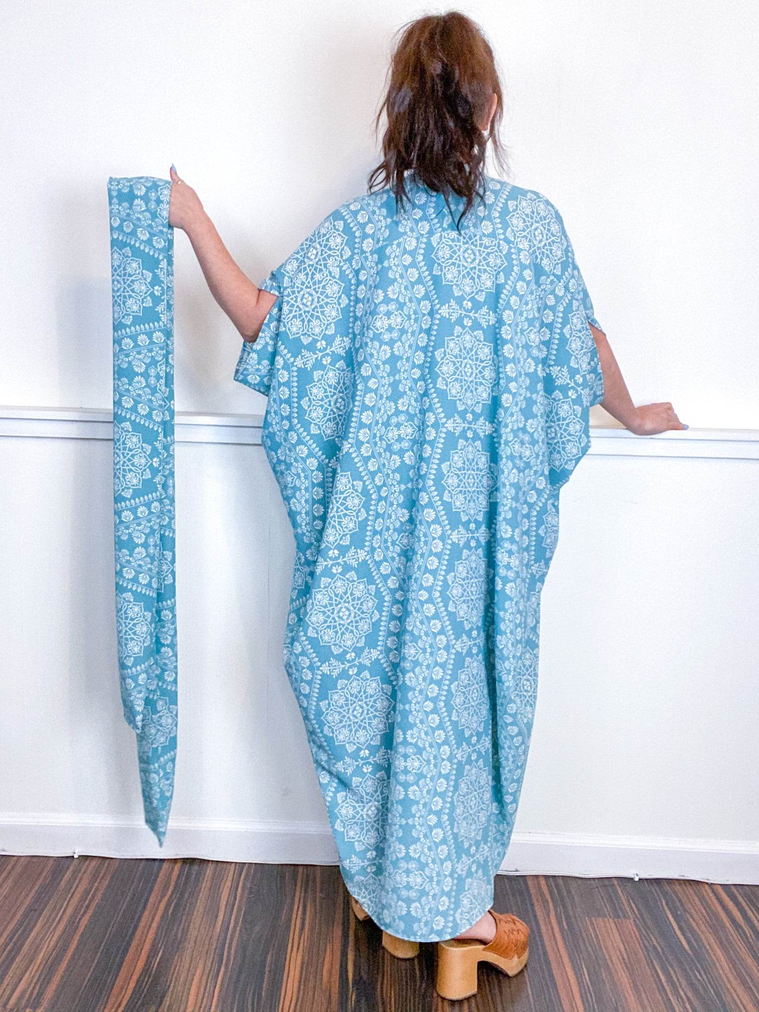 Print High Low Kimono Aqua Medallion Bubble Crepe
