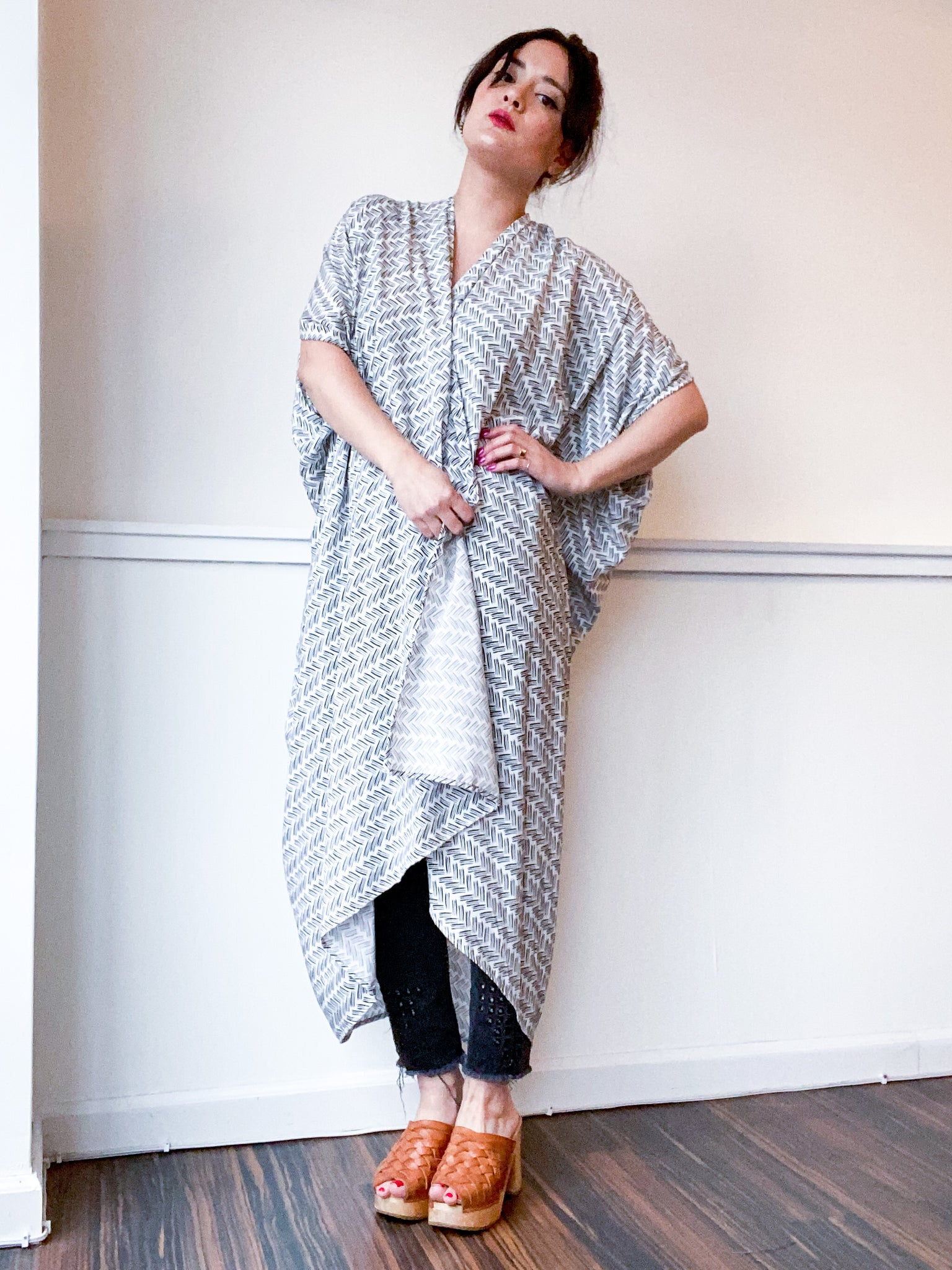 Print High Low Kimono White Black Herringbone