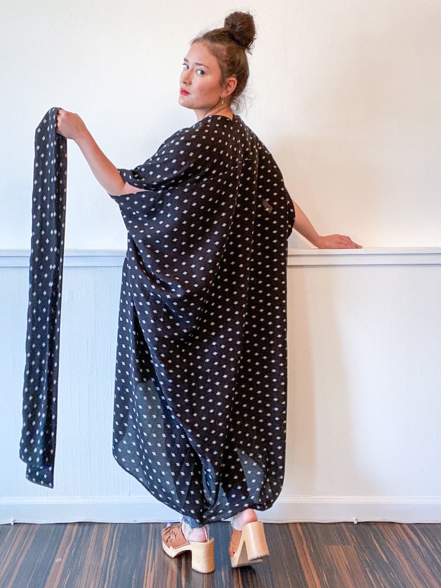 Print High Low Kimono Black Diamond Rayon Challis