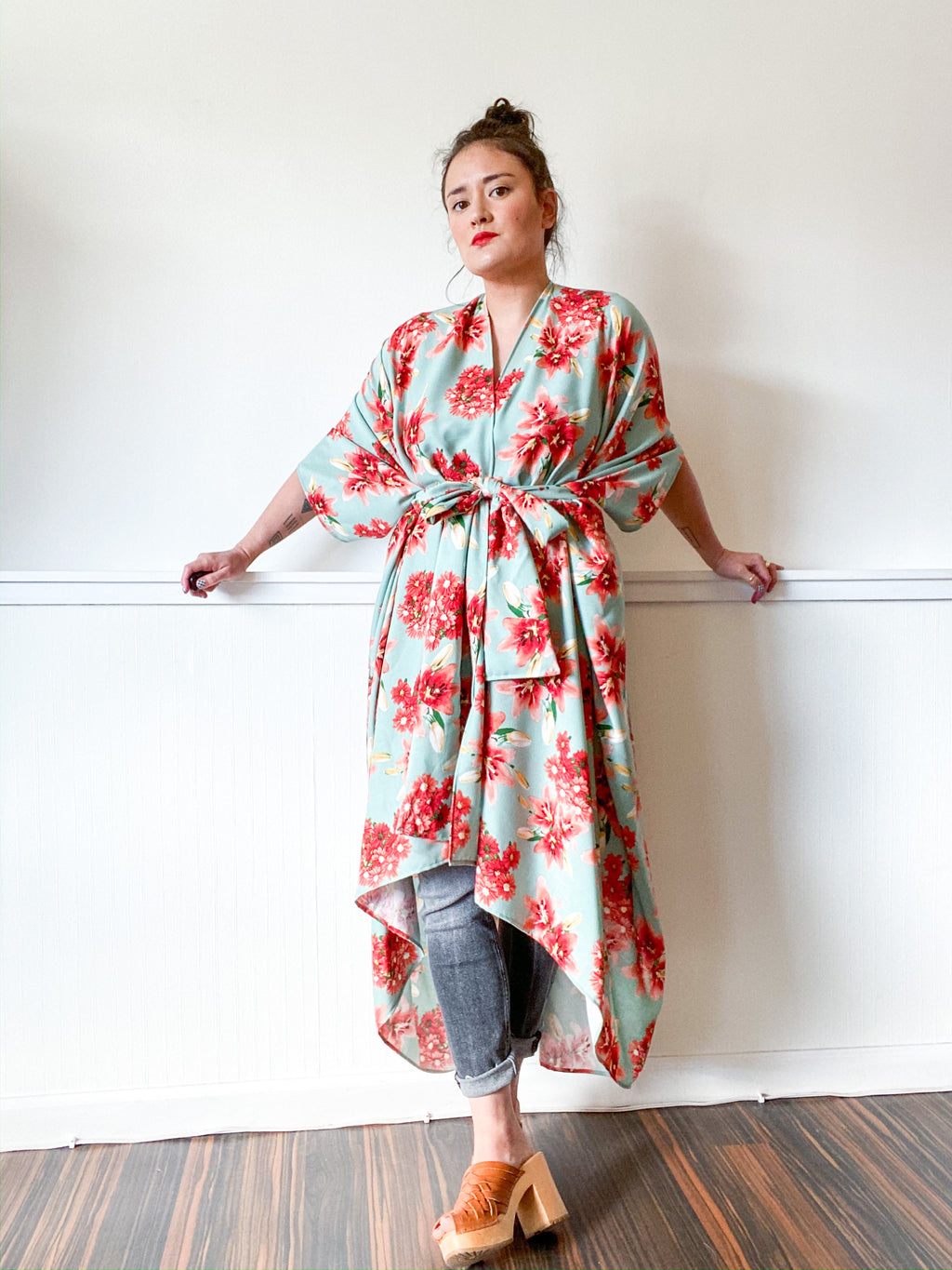 Print High Low Kimono Sage Red Lilies
