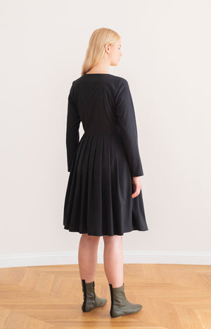 Birch wrap dress coal black - Dresses - TAUKO - TAUKODESIGN