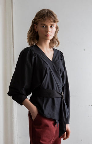 AW20 Feel blouse black - Tops - TAUKO - TAUKODESIGN