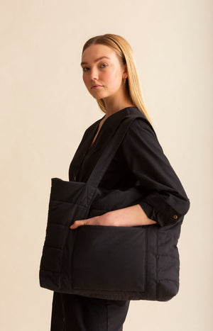 AW20 Hug Bag coal black - Accessories - TAUKO - TAUKODESIGN