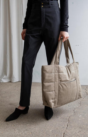 AW20 Hug Bag khaki - Accessories - TAUKO - TAUKODESIGN