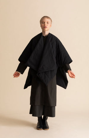 AW20 Hug cape coal black - Jackets & Coats - TAUKO - TAUKODESIGN