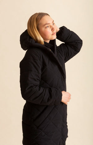 AW20 Hug coat coal black - Coats - TAUKO - TAUKODESIGN