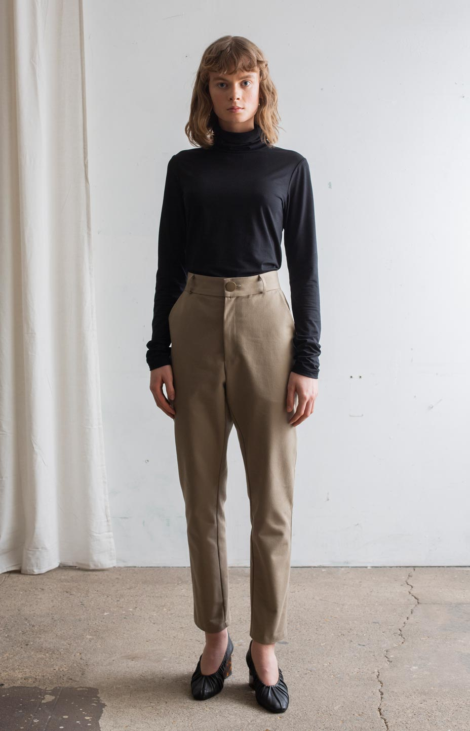 AW20 Sense trousers khaki - Bottoms - TAUKO - TAUKODESIGN