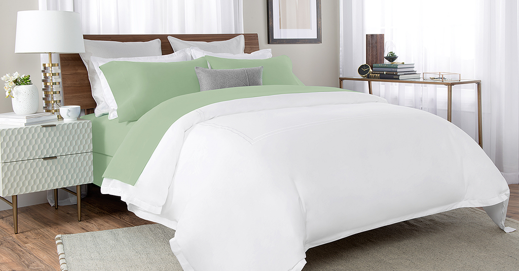 Percale Bed Sheet In Green Color