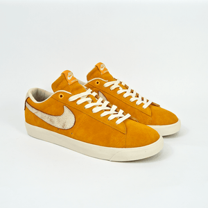 Nike SB - Grant Taylor GT Blazer Low Shoes - (Bruised Peach) Circuit Orange / Natural