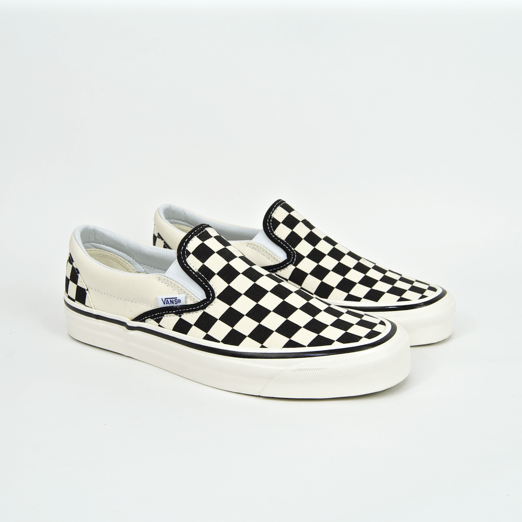 VANS - SLIP-ON ANAHEIM SHOES - BLACK / WHITE CHECKER