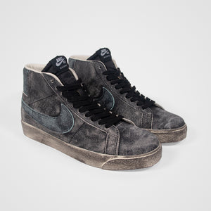 Nike SB - Blazer Mid Premium Shoes - Black / Light Dew / Coconut Milk / Light Dew