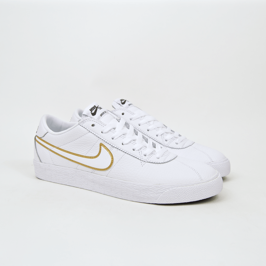 newest de746 2b030 ... Nike SB - Bruin Premium SE Shoes - White   White   Metallic Gold ...