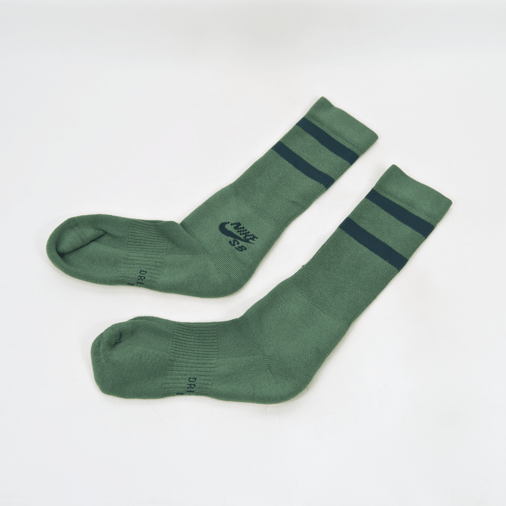 Nike SB - Crew Skateboarding Socks - Clay Green / Deep Jungle