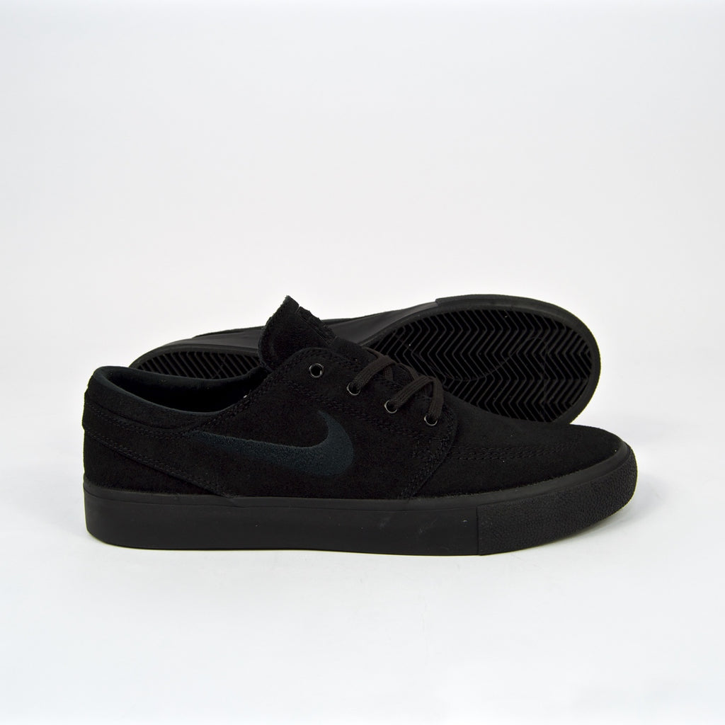 Nike SB - Stefan Janoski Remastered Shoes - Black / Black
