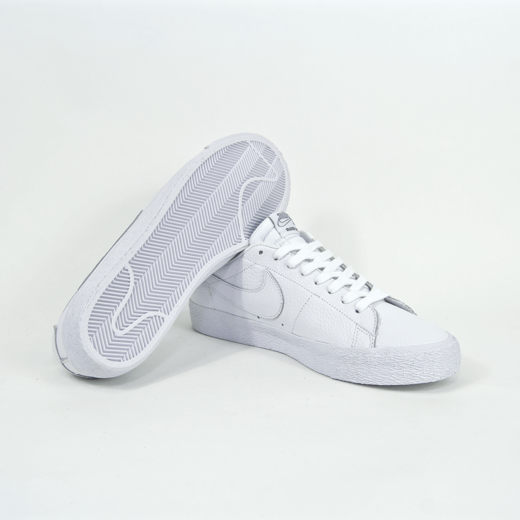Nike SB - NBA Blazer Low Shoes - White / Rush Blue / University Red