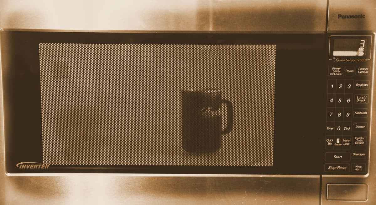 Why Microwaving Cold Coffee Makes Coffee-Lovers Scream