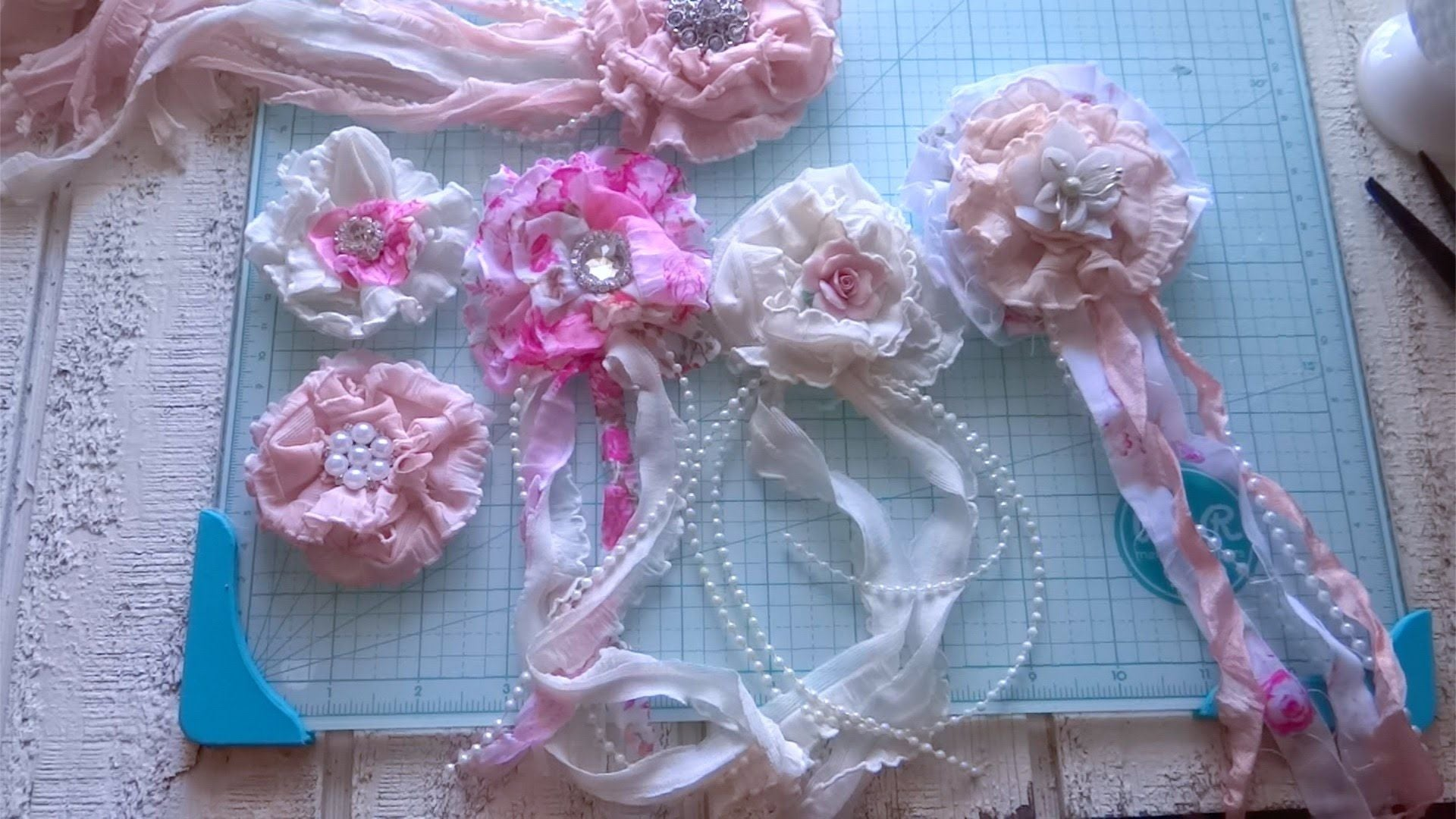 How to Make a Shabby Chick Ruffled Ribbon Flower