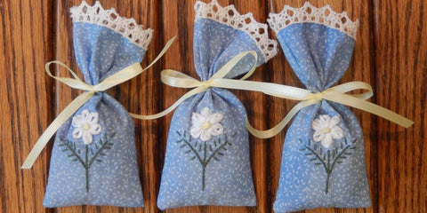 Make a Ribbon Laced Potpourri Sachet