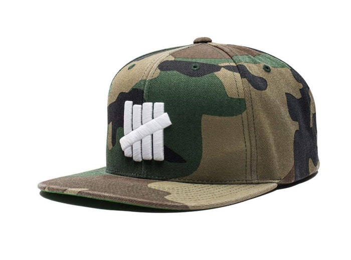 UNDEFEATED 5 STRIKE FA17 CAP - CAMO
