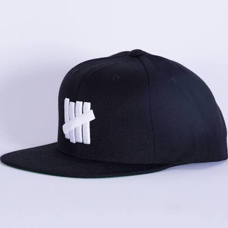 UNDEFEATED 5 STRIKE SSNAPBACK CAP -BLACK