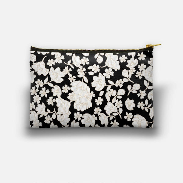 White flowers Studio Pouch