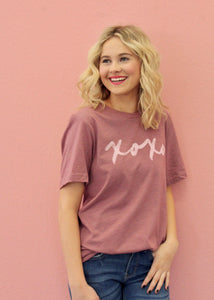 XOXO Simple Graphic Tee-Mauve