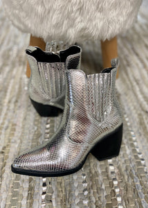Yvanna Silver Pointed Toe Metallic Booties