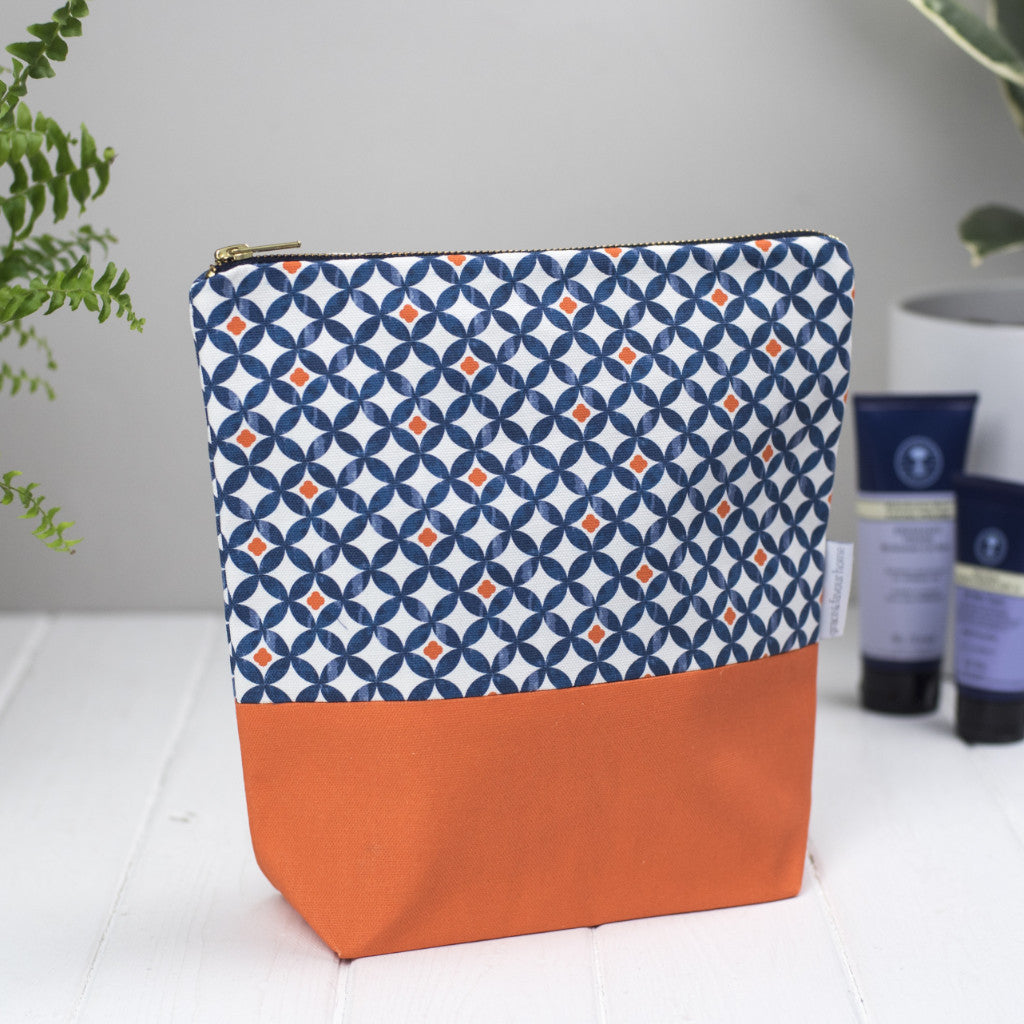 Safiya Tall Toiletry Bag