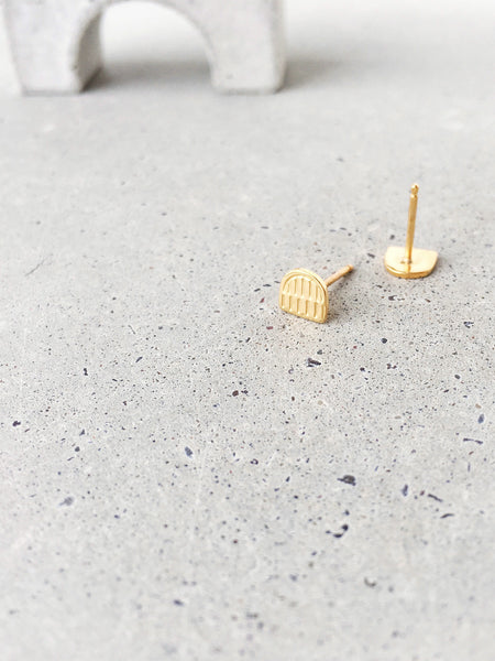 softgoldco textured metalwork arch studs