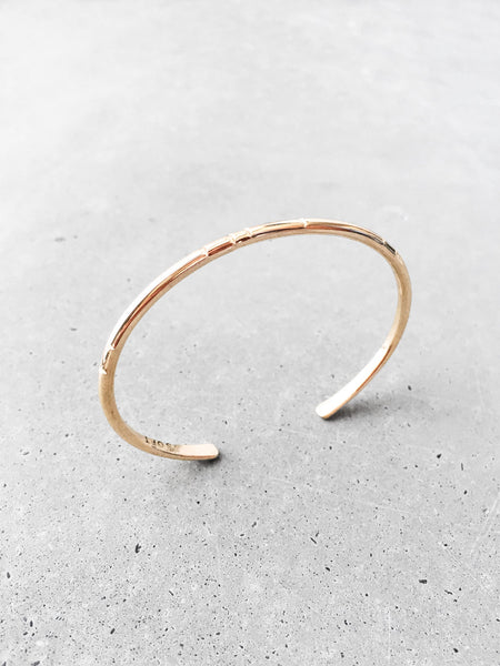 minimal everyday jewelry gold bracelet softgoldco