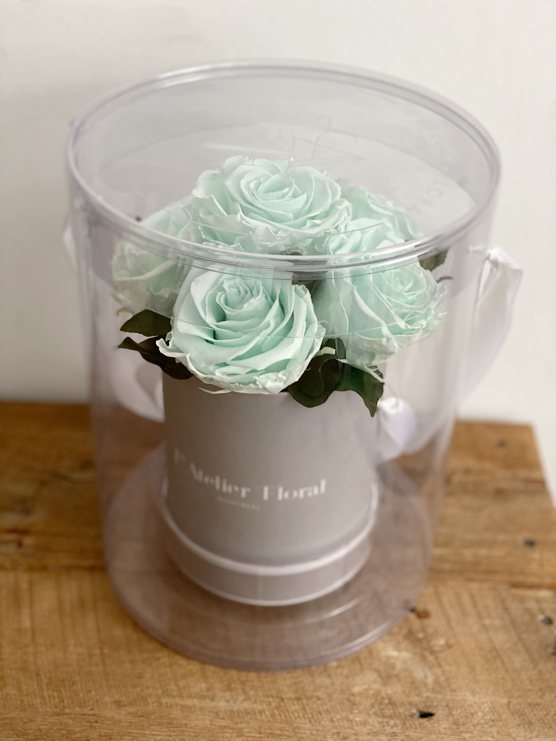Mini Bouquet of Eternal Roses in Green Mint