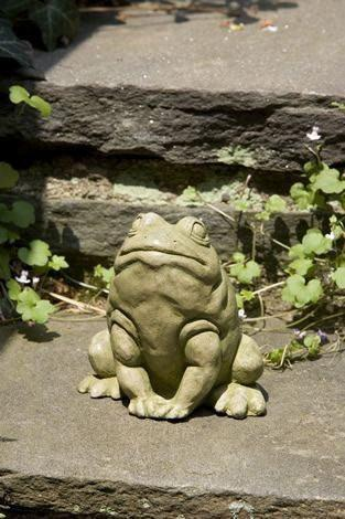 Image of Campania International Jumper Frog Statue Life on Plum