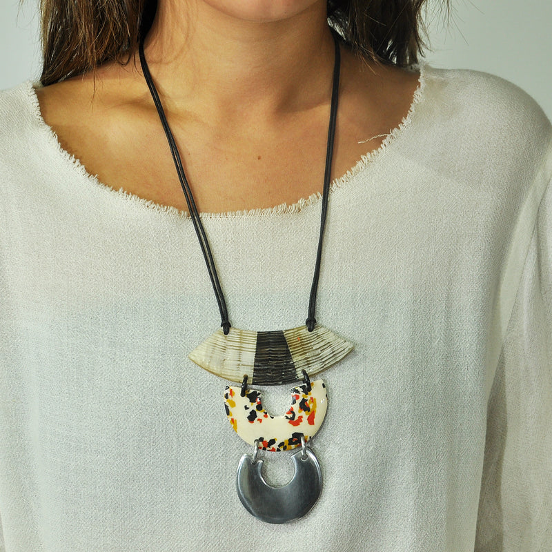 Horn Necklace w/ Metal & Patterns