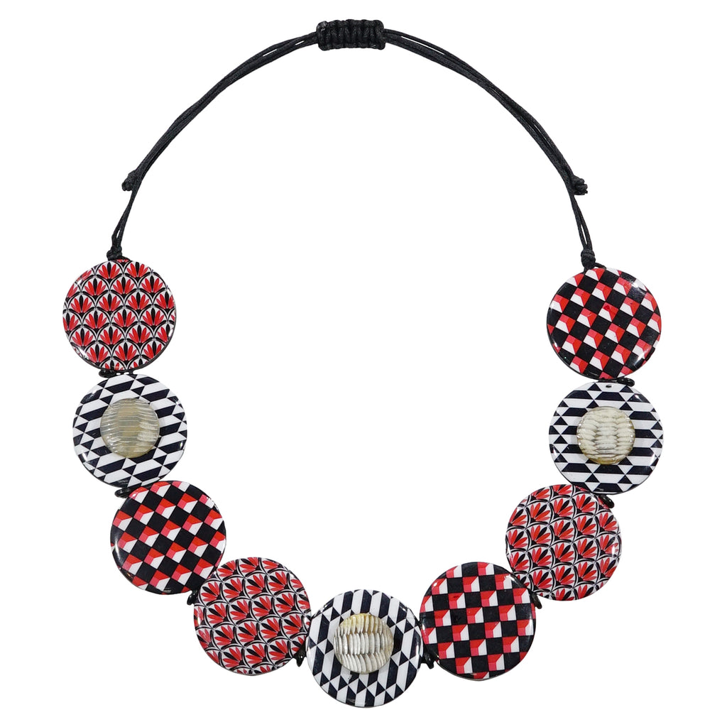 Patterned Necklace w/ Horn
