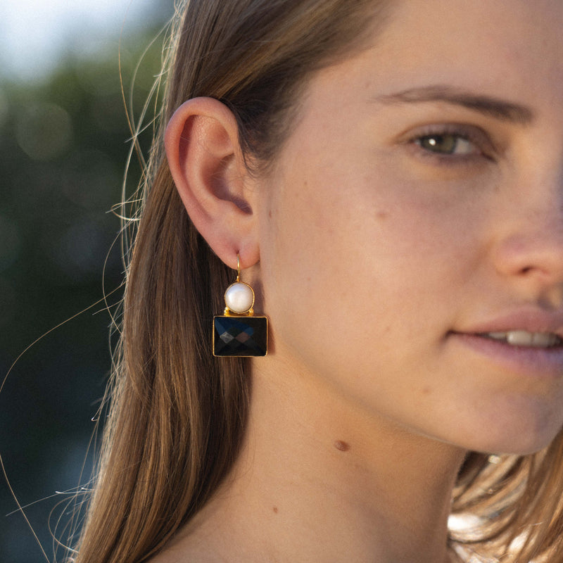 Golden Earrings w/ Black Stone & Cultured Pearl