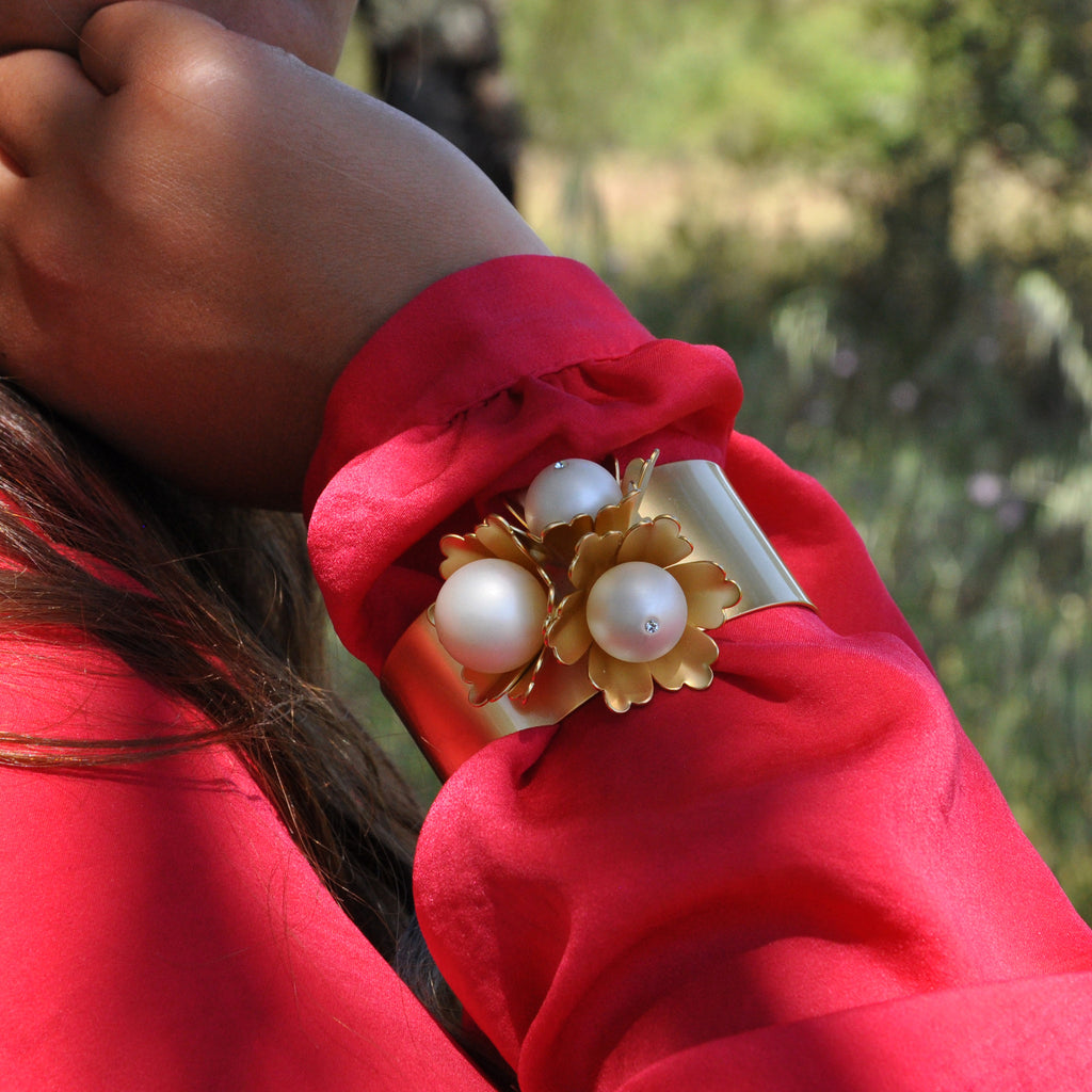 Gold Bracelet with Flowers