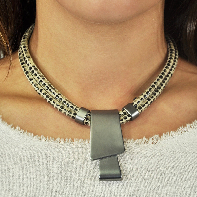 Patterned Necklace w/ Gunmetal Pendant