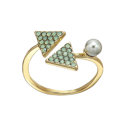 Metal Ring w/ Pearls & Turquoise Stone