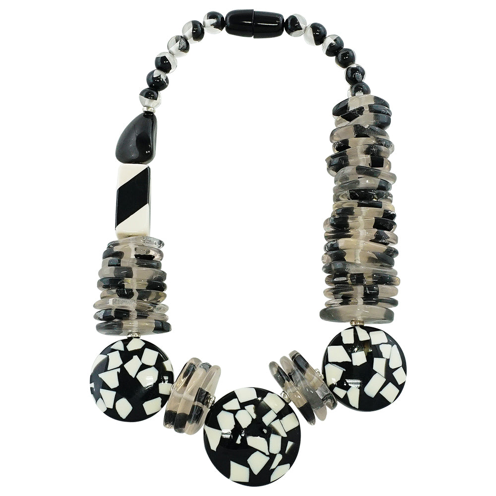 Balck and White Resin Necklace