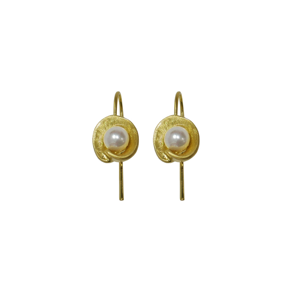 Gold Earrings with Pearl