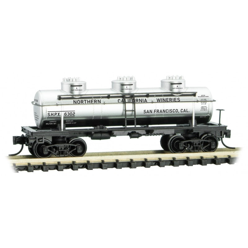 N Scale: 3-Dome Tank Car - Northern California Wineries