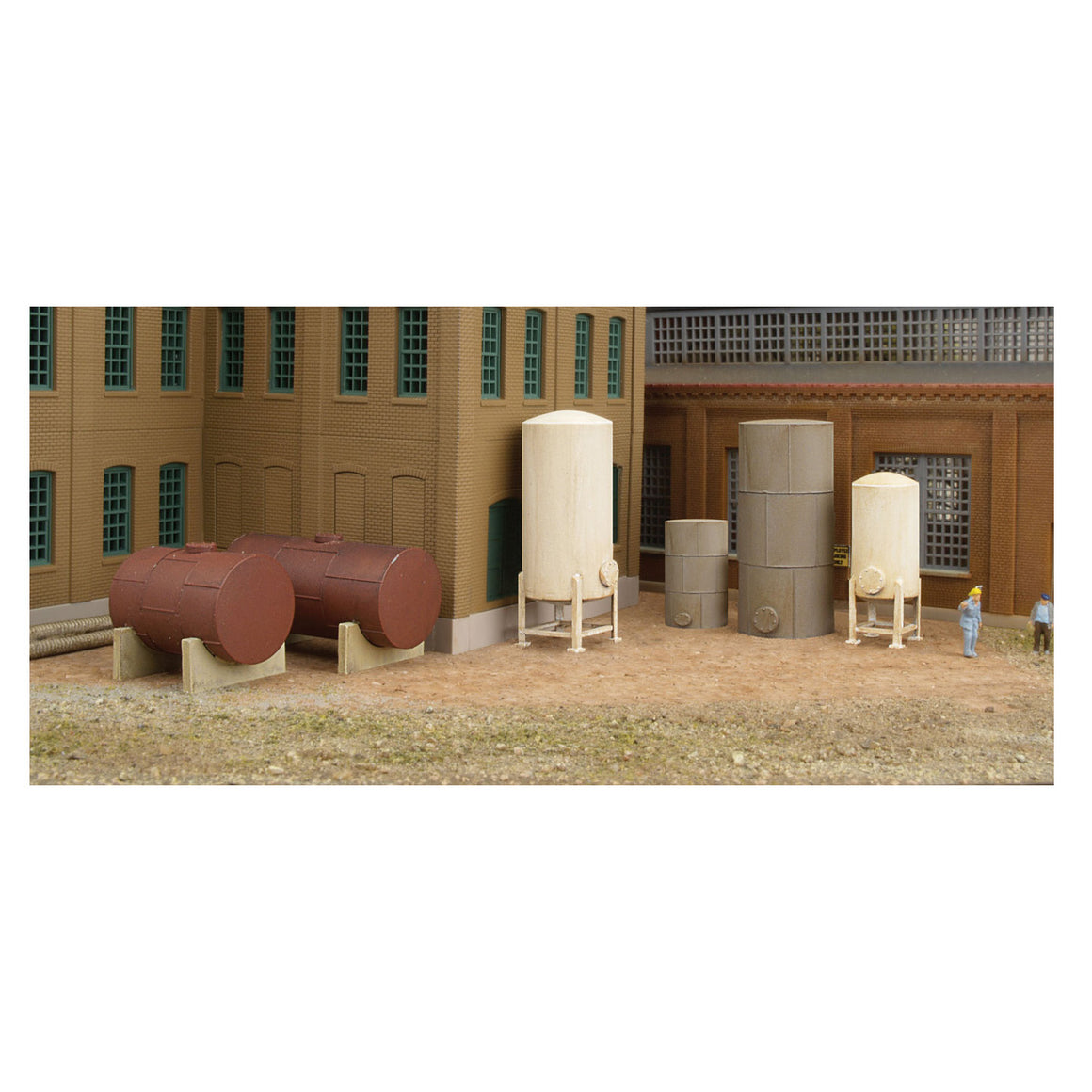 N Scale: Storage Tanks - Kit